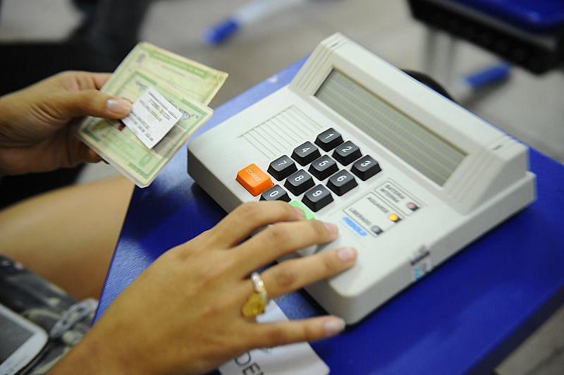 No contexto brasileiro, haverá segunda eleição em 18 capitais e em outros 37 municípios de 11 estados