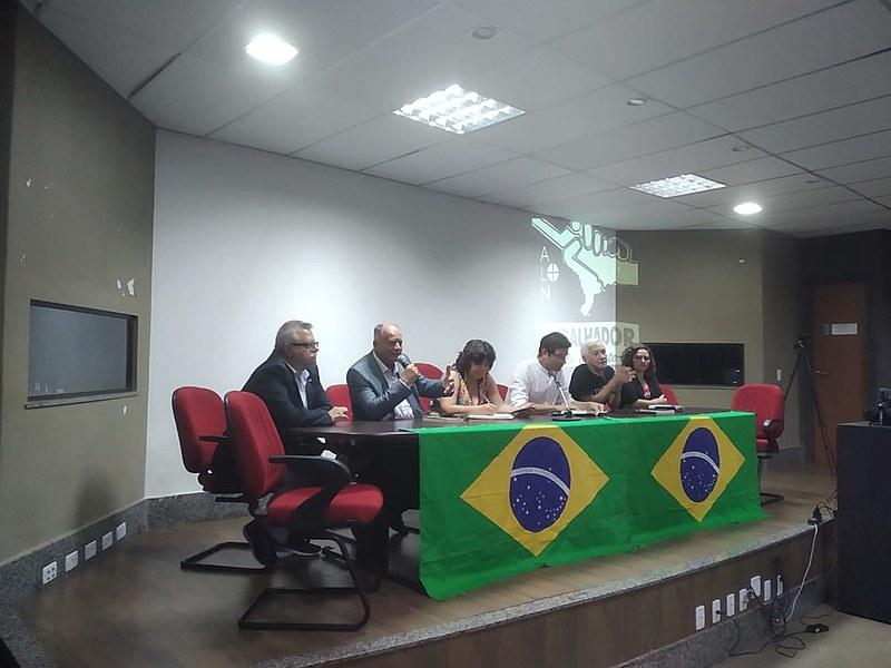 A atividade, que lotou o auditório da ADUCF, contou com militantes da ALN