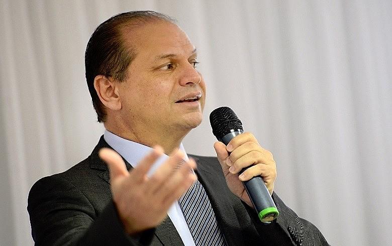 Barros assinou contrato com laboratório Blau para fornecer por R$ 5,19 remédios que a Fiocruz produz por R$ 0,17