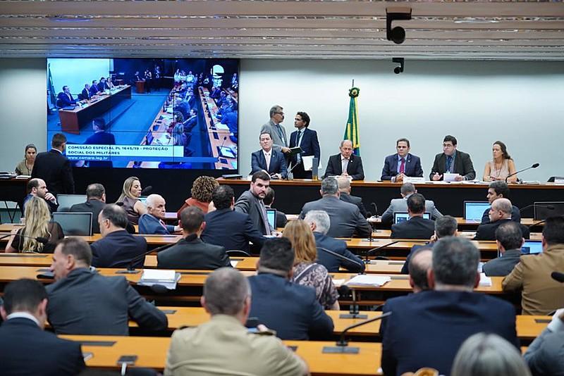 Proposta de reforma da Previdência dos militares está em avaliação numa comissão especial na Câmara dos Deputados