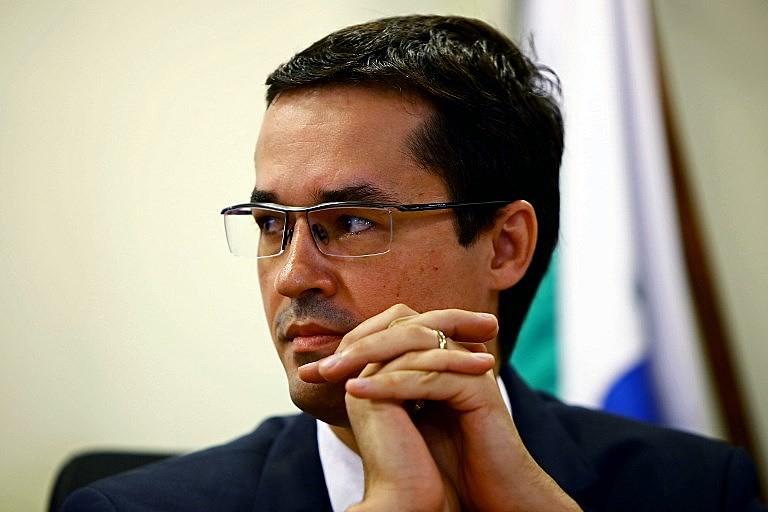 O juiz da Lava Jato Deltan Dallagnol postou em seu Facebook o depósito da Petrobras à ONG que será criada com o recurso.