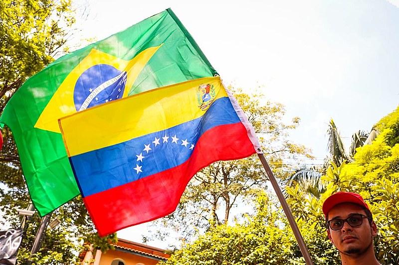 Ato ocorreu em frente ao consulado da Venezuela em São Paulo
