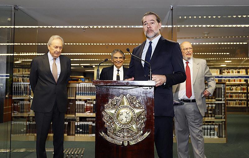 Ministro Dias Toffoli durante lançamento de livro em homenagem ao ex-ministro do STF Carlos Ayres Britto
