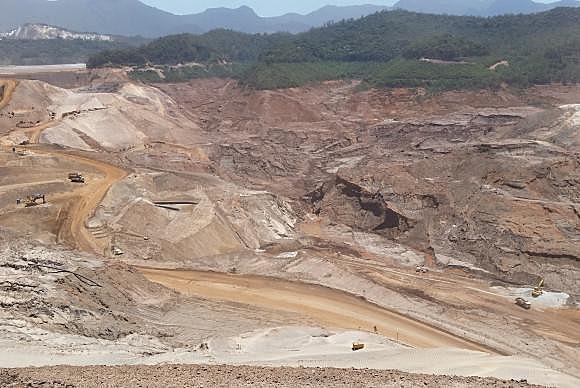 Um ano após tragédia de Mariana, Samarco planeja reconstruir distritos em 2018
