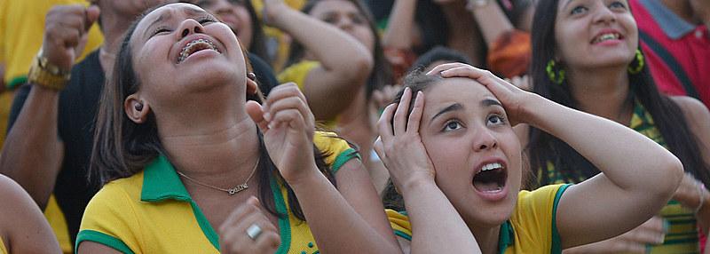 """""""É um momento histórico levar o rosto das mulheres para o futebol. Neste esporte só fala dos mesmos nomes, que são de homens"""", diz torcedora"""
