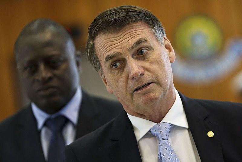 Metade dos entrevistados declarou ser contra os cortes na educação anunciados por Bolsonaro