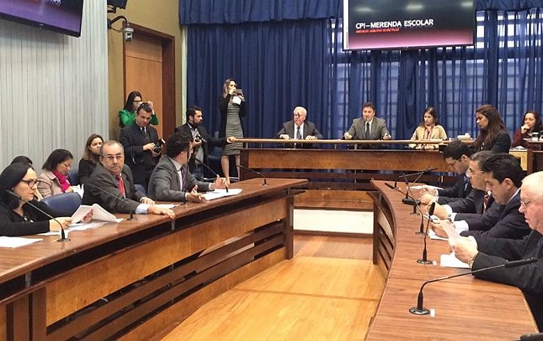 Parlamentares realizam primeira reunião da CPI após o recesso parlamentar do mês de julho