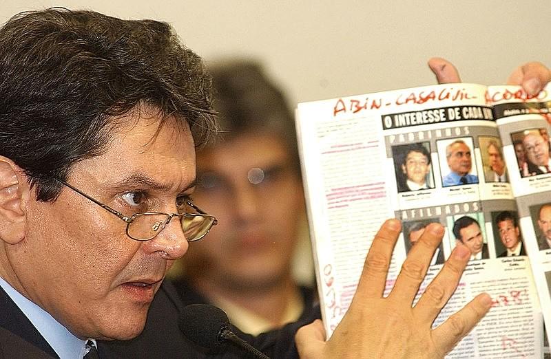 Roberto Jefferson durante reunião da CPMI dos Correios, em 2005
