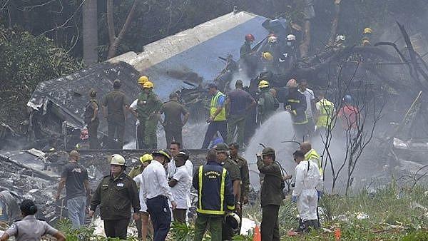 O avião caiu após decolar do aeroporto de Havana