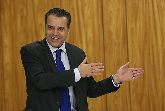 El ministro del Turismo, Henrique Eduardo Alves, renunció este jueves