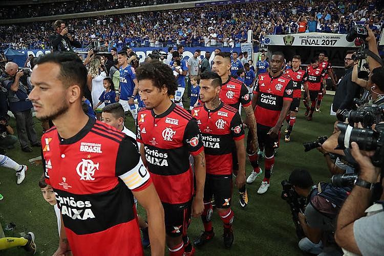 """Ainda há tempo do Flamengo """"salvar o ano"""" com o título da Copa Sul-Americana e uma campanha de recuperação"""
