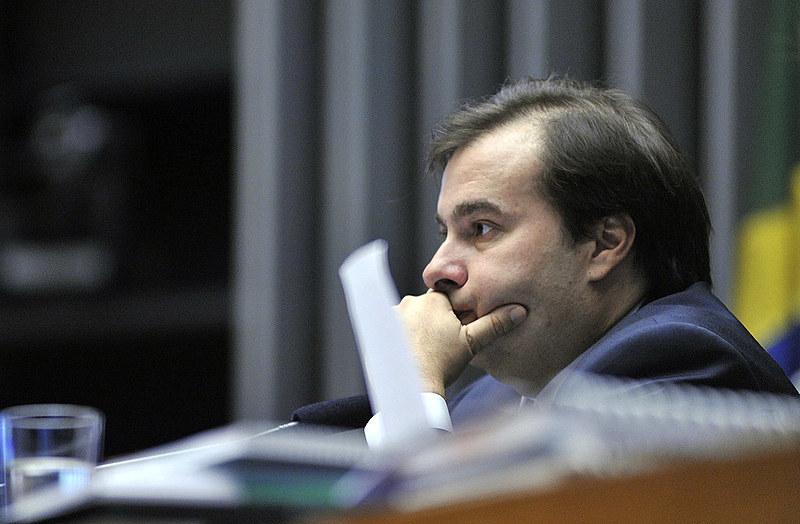 Presidente da Câmara, Rodrigo Maia, durante sessão de discussão da PEC 241 nesta segunda-feira (10)