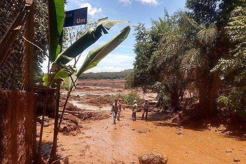 Rompimento da barragem em Brumadinho ocorreu no começo da manhã desta sexta-feira (25).