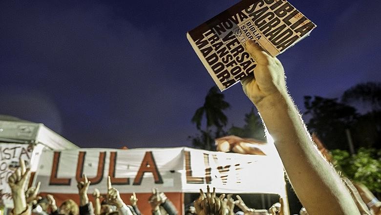 Os atos inter-religiosos tiveram grande adesão na programação da Vigília Lula Livre, reunindo semanalmente centenas de pessoas