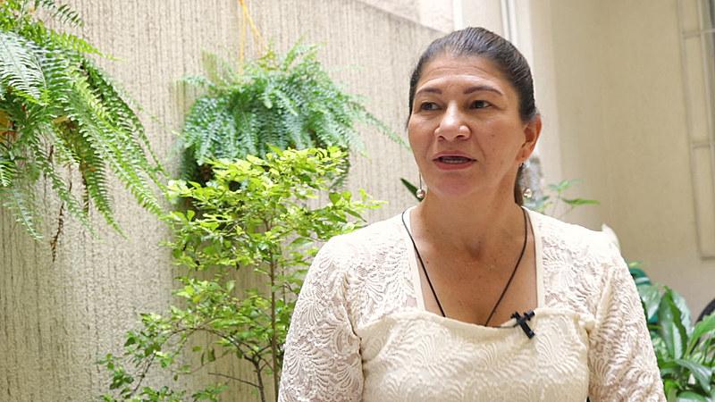 """Sandra Ramírez: """"Na Colômbia se elimina, se assassina o opositor. Se elimina a pessoa que pensa diferente, que quer um país diferente"""""""