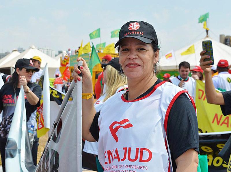 Sandra Silvestrine é presidenta do Sindicato dos Servidores da Justiça de Primeira Instância em Minas Gerais
