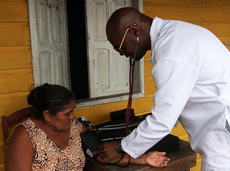 Entrevistada é a médica do programa Mais Médicos em Petrolina, Odara Caires