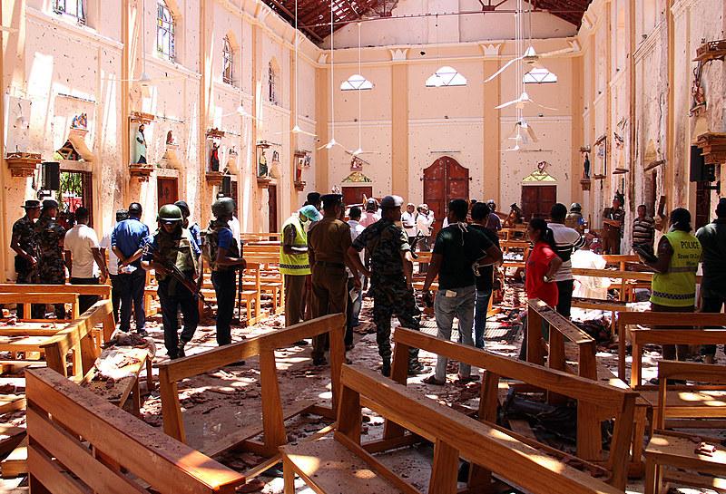 Três igrejas católicas sofreram explosões; cristãos formam 7% da população do país