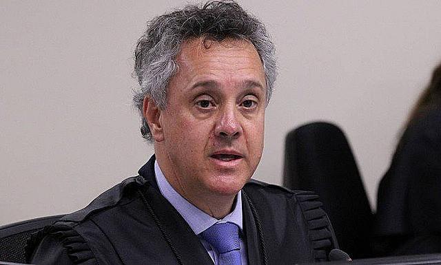 Gebran Neto también repitió la postura de Moro de conceder fuerza de prueba a una hipótesis lanzada como posible