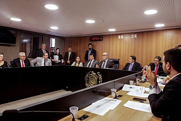 Proposta foi aprovada na primeira votação em plenário, na Assembleia Legislativa de Pernambuco