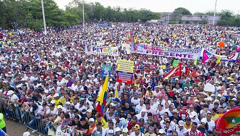 Ato de encerramento da campanha de Gustavo Petro em Barranquilla, no Norte da Colômbia, na última segunda-feira (21)