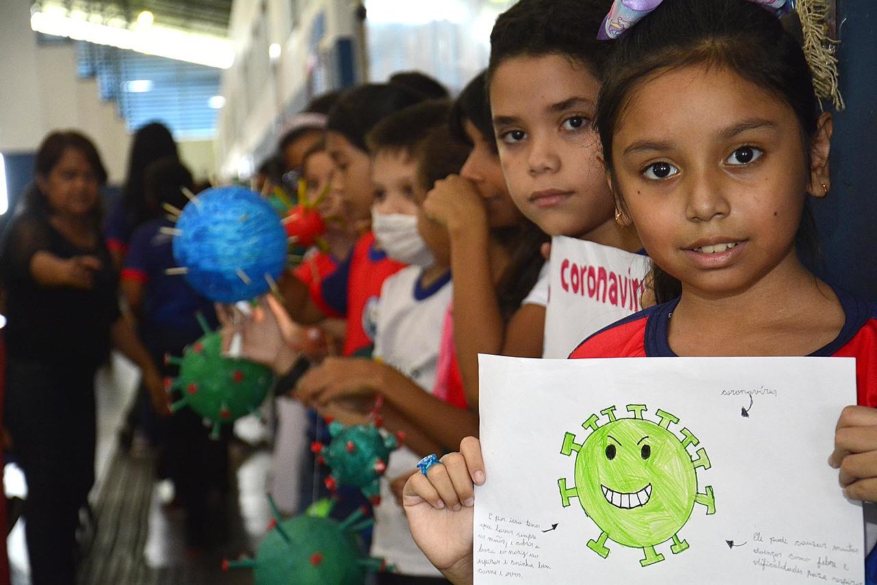 coronavirus escolas