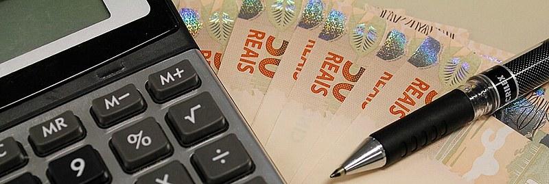 Estudo destaca que brasileiro com renda anual de US$ 250 mil paga 27,5% de tributos; no G7, média é de 40,6% para mesma faixa de renda