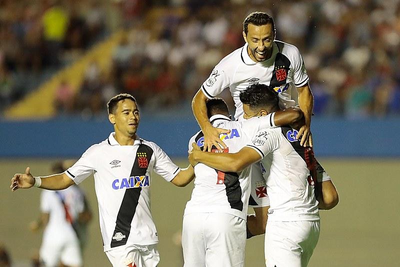 De equipe apontada como umas das que lutariam contra o rebaixamento, o Vasco agora está olho na Libertadores de 2018