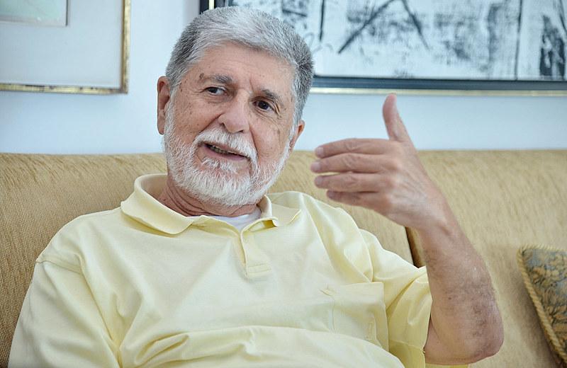 Se Lula não for candidato, a democracia brasileira vai descer para um abismo, avalia diplomata