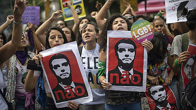 Manifestación contra Jair Bolsonaro en Rio de Janeiro