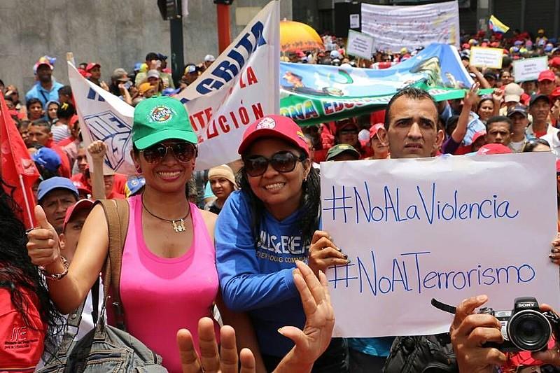 Ato realizado em abril, em Caracas, em defesa da revolução Bolivariana