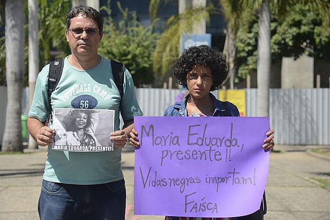 Parentes e familiares de Maria Eduarda protestaram contra a sua morte, na última quinta-feira