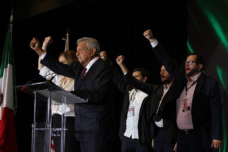 Novo presidente mexicano afirma que governará para todas as classes sociais, mas que o povo terá prioridade