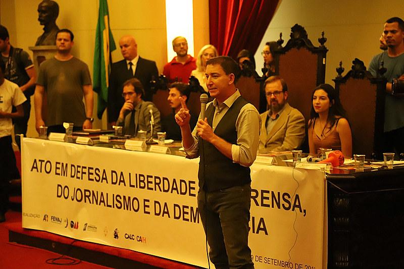 Greenwald encerrou a sequência de falas da noite defendendo a liberdade de imprensa e homenageando a equipe do The Intercept Brasil