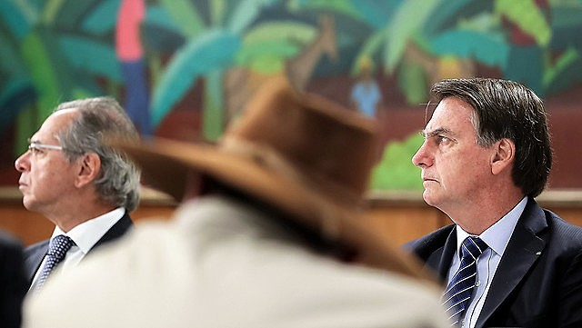 Bolsonaro durante una reunión con parlamentarios del estado de Mato Grosso, donde los incendios destruyeron casi todas las tierras indígenas