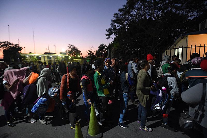 Além dos 1.100 imigrantes que já chegaram nesta semana, outras 1.500 pessoas são esperadas na capital mexicana