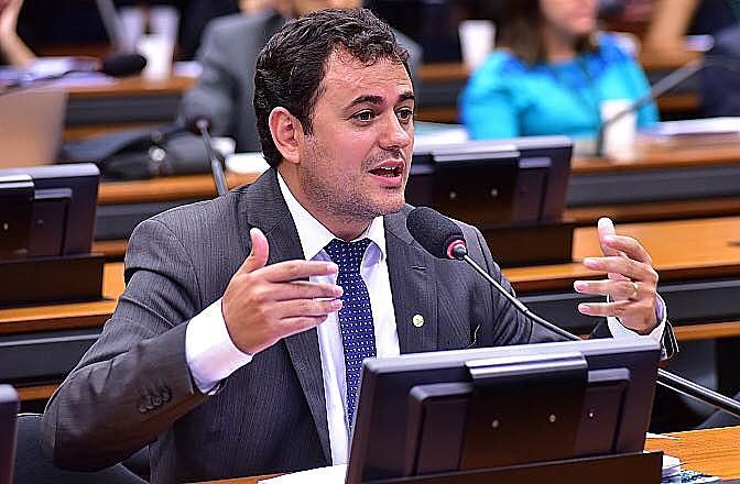 Para líder do PSOL, Glauber Braga (RJ), as denúncias da JBS fortalecem o discurso de que o governo não tem respaldo para sustentar reformas