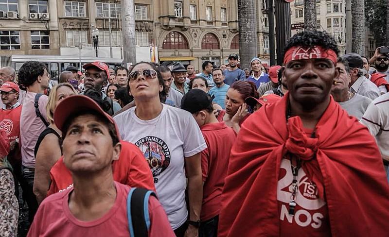 Moradores de ocupações se reuniram nesta quarta-feira (9) em ato contra a criminalização dos movimentos de moradia em São Paulo.