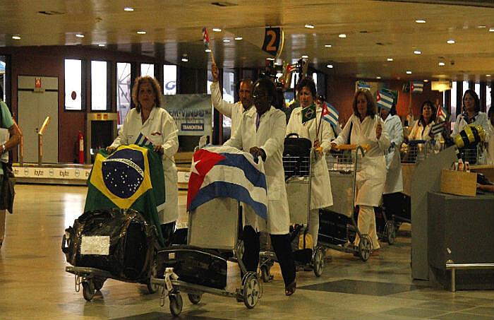 Governo cubano disse que as declarações do presidente eleito a OPAS e sobre a preparação dos médicos da Ilha são desrespeitosas