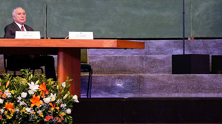 Assim vai caminhando o Brasil com Temer, um presidente cujo mandato na prática chegou ao fim