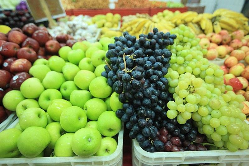 Campanha quer que redes de supermercados se responsabilizem por condições de trabalho na produção de frutas