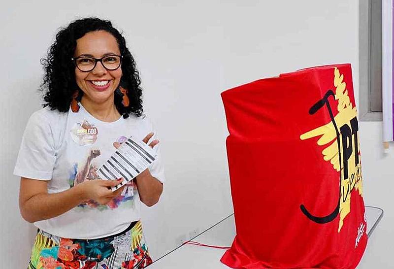 Em Natal, a vereadora Divaneide Basílio foi eleita com 534 votos