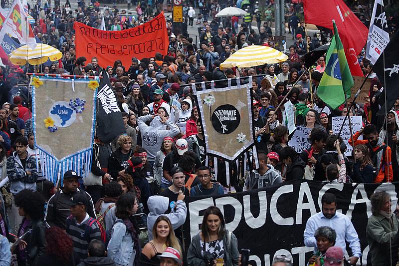 Segundo organizadores, 40 mil estiveram no ato no Rio de Janeiro