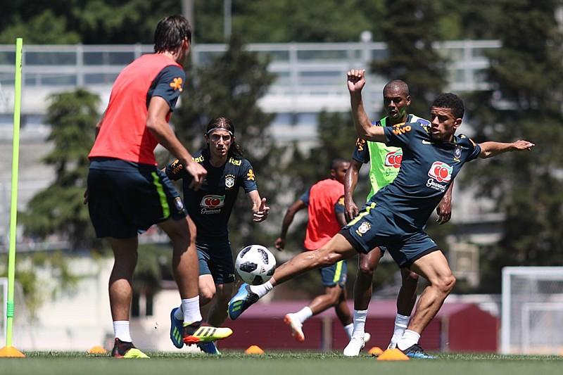 Primeiro treino da Seleção Brasileira em Sochi foi aberto ao público