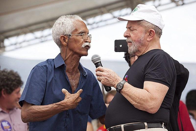 Vininho, pescador atingido pela Samarco, participou do ato em Governador Valadares, durante a Caravana Lula por Minas Gerais
