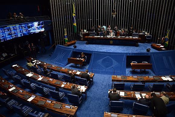 Instalação oficial da comissão do impeachment no Senado está prevista para esta terça-feira (26)