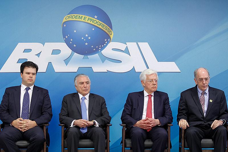 Temer, Parente e Moreira Franco durante o anúncio do plano de negócios da Petrobras
