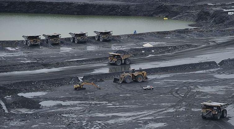 Segundo moradores, instalação da Usina de Belo Monte não resultou em melhorias nos serviços de energia elétrica, saúde, moradia e educação.
