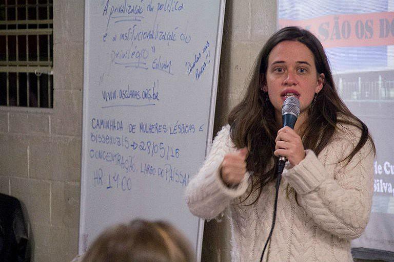 Isa Penna explicou que o episódio aconteceu quando ela estava a caminho do subsolo do prédio da Câmara