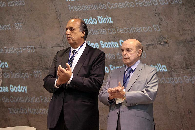 O governo do estado do Rio de Janeiro informou que o governador Pezão e o vice Dornelles vão entrar com recurso no TSE.